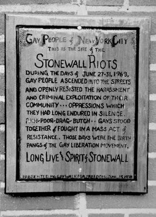 photo courtesy of: http://propresobama.files.wordpress.com/2011/05/stonewall.jpg